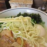 56129082 - 極白湯塩SOBA 麺リフト