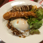 下呂松葉 - ロコモコ丼単品❗️混ぜ混ぜして頂きます❗️ハンバーグが絶品です❗️