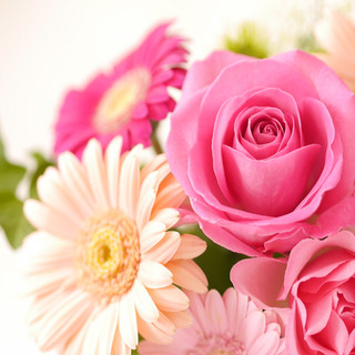 日頃の感謝を込めてサプライズ!花束贈呈♪