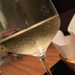 イベリコ屋 - イベリコ屋 北新地店(大阪府大阪市北区堂島)白ワイン