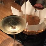 イベリコ屋 - イベリコ屋 北新地店(大阪府大阪市北区堂島)イベリコ豚のレタしゃぶ鍋と白ワイン