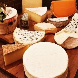 常時15種以上のチーズがございます♪