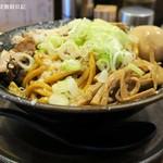 平太周 味庵 - 爆盛油脂麺、麺300gでもかなりの量