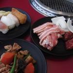 すたみな太郎NEXT - 寿司、肉、煮物。