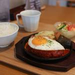 ハンバーグ☆RISE - 料理写真:トマトソース目玉焼き☆