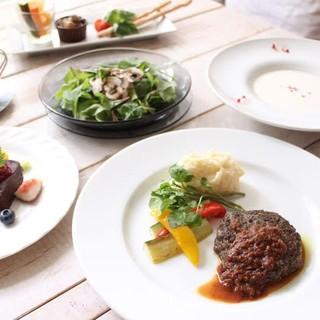 ベジタリアンのオーナーが選ぶ厳選素材コース料理が自慢!