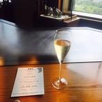 56154611 - シャンパン