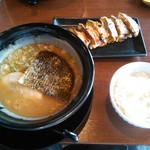 下町の空 - 餃子セット(豚こく醤油ラ  ーメン)760円