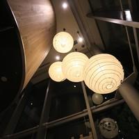 魚河岸酒場 FUKU浜金 - 和風ですが古さを感じさせない雰囲気で、おしゃれな感じを演出しております