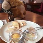 駱駝カフェ - 大根、金木犀、ポポ