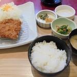 56184145 - 「国産ロースとんかつ膳(140 g)」(1230円)