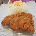 56184150 - 「国産ロースとんかつ膳(140 g)」(1230円)