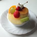 アントレー洋菓子店 - 料理写真:プリンアラモード