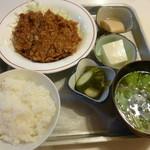 とんかつ赤煉瓦 - メンチカツ定食(税込600円)