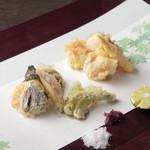 ケンゾーエステイトワイナリー - オマール海老と旬野菜の天婦羅 ¥2,500-