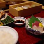 杜若 - 三河鶏の塩麹炙り(華)¥1,300-