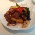 中国料理 桃李 - 秋野菜と牛フィレ肉の炒め物