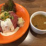 肉バル パライソ - ロービー丼