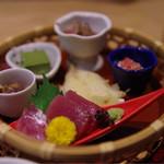 杜若 - 六菜盛り籠