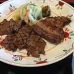 牛たん焼き 仙台辺見 - サービス牛タン定食 タン先とタン中の盛り合わせ