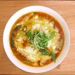 らーめんダイニング ワイワイ - 料理写真:とろとろチーズのトマト麺