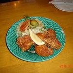 柿の里 - 一番人気の大きな唐揚、定食¥850もある