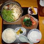 柿の里 - まぼろしのミニ鍋セット、海の幸も豊富な美味鍋¥1800、5人前鍋の通販もあり