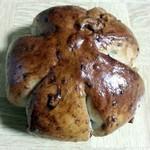 ベーカリーカフェ タンタアンナ - くるみパン