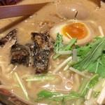 八べえ - 鰻らーめん(醤油) + やわらか鰻兜 + 鰻たれ漬け煮卵(アップ)