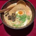 56211869 - 鰻らーめん(醤油) + やわらか鰻兜 + 鰻たれ漬け煮卵