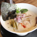 中華そば鷸 - 料理写真:スープを泡状にミックスし香りと口当たりをクリーミーに仕上げた鶏豚出汁らーめん