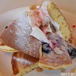 柿ん木 - 料理写真:ホットケーキ(ベリーソース)