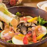 bistro & cafe La ChouChou - 自慢のドレッシングサラダ