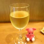 銘酒居酒屋 晴れる屋 - グラスワイン 400円