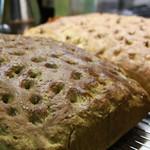 Osteria TiaLoca - フォカッチャ2種「静岡抹茶」「生ハムとローズマリー」