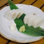 恵比寿 箸庵 - 板ワサ(クリームチーズ、EXバージン 添え)