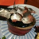 酒と肴 萬作 - 秋刀魚の刺身