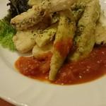 スペイン食堂 ヨシムタ - 茄子とメルルーサ(白身魚)のフリット!