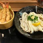 釜たけ流うどん 駅前食堂 - 海老天ぶっかけ(税込1050円)