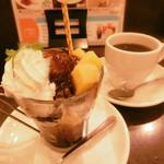 しゃぽーるーじゅ - 料理写真:チョコパフェと珈琲