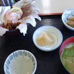 港あおしま - 海鮮ちらし丼 1300円