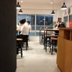 タイタンズ クラフトビアタップルーム&ボトルショップ -
