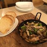 石窯ポポロ - 海老と野菜のアヒージョ