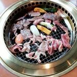 焼肉処 冠木門 - 料理写真:全部のっけました