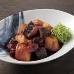 ケンゾーエステイトワイナリー - 和牛の肉じゃが山椒風味 ¥1,620-