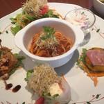 オルソ・デル・ボスコ森のくまさん - 料理写真:ランチの洋食プレート1100円税込