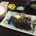 56240496 - カツオタタキ定食!