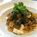 食・酒ファシル - 料理写真:モッツァレラチーズとラタトゥイユソース   バジル風味