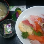 ショッパー桜川 - 豪華海鮮丼(1000円)