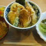 揚げたて天ぷら やぐら - 鶏天丼450円(税込)とサラダ・味噌汁セット160円(税込)